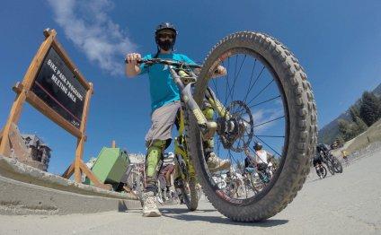 Image: Downhill biking gear
