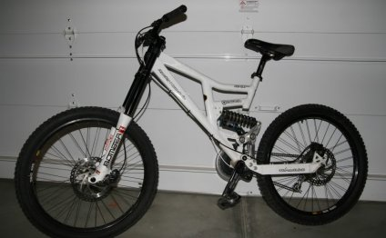 Rocky Mountain downhill bike