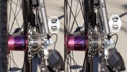 just how will 135mm rear hub widths affect road-bike chainline and moving overall performance