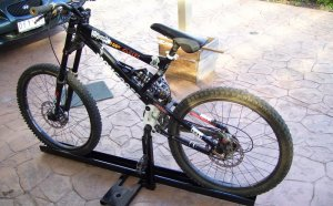 Downhill bike rack