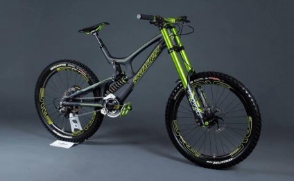 Santa Cruz downhill Mountain bikes